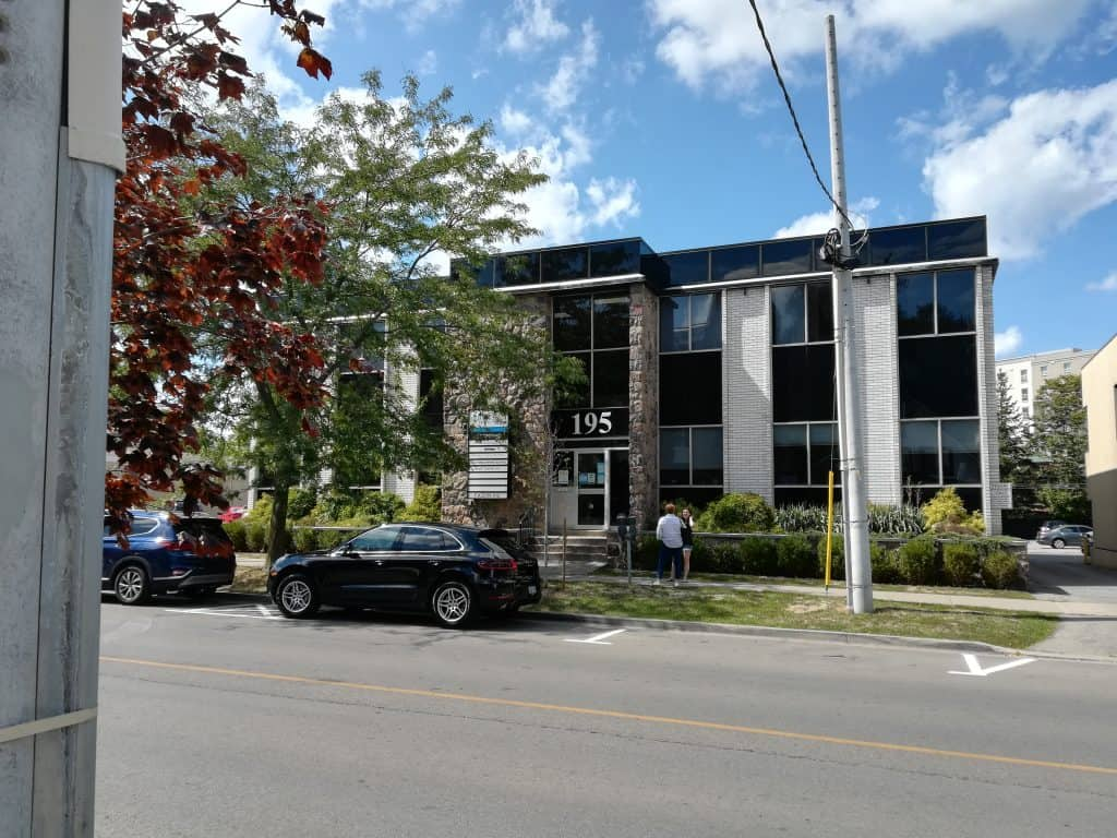 Outside view of 195 King St St Catharines, Cameron Counselling